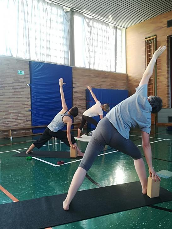 Yoga Sommerkurs outdoor mit Petra Teil2 letzte Stunde